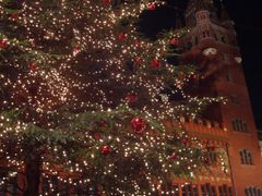 BASEL : Weihnachten & Rathaus by <b>loooquito</b> ( a Panoramio image )